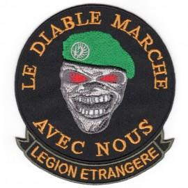 """Badge """"Le diable marche avec nous"""""""